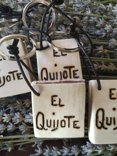 Comprar llaveros artesanales de madera